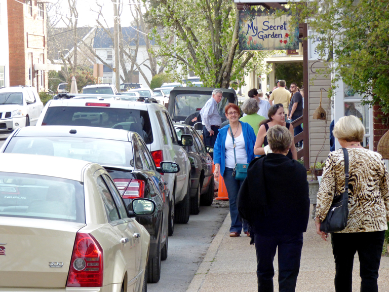 First Friday on Budleigh Street in Manteo.