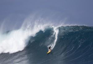 Will Skudin surfing Phantom on the North Shore of Hawaii.