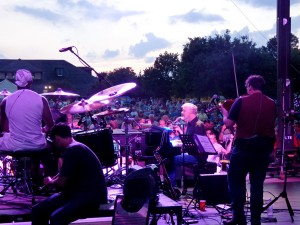 Bruce Hornsby and the Noisemakers taking the stage at sunset. Photo, Kip Tabb