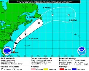 National Hurricane Center forecast map, 2:00 p.m. 8/4.