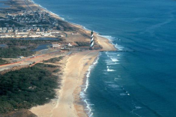 Lighthouse, Outer Banks, Feb 1999. Image courtesy of OBXsurfinfo.com