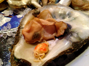 Oyster with pea crab inside. Photo Carolina Foodie.
