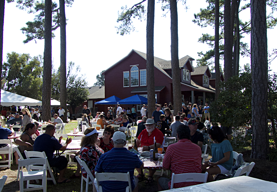Great weather, great crab, tasty wine and excellent music. A perfect way to celebrate fall on the Outer Banks.